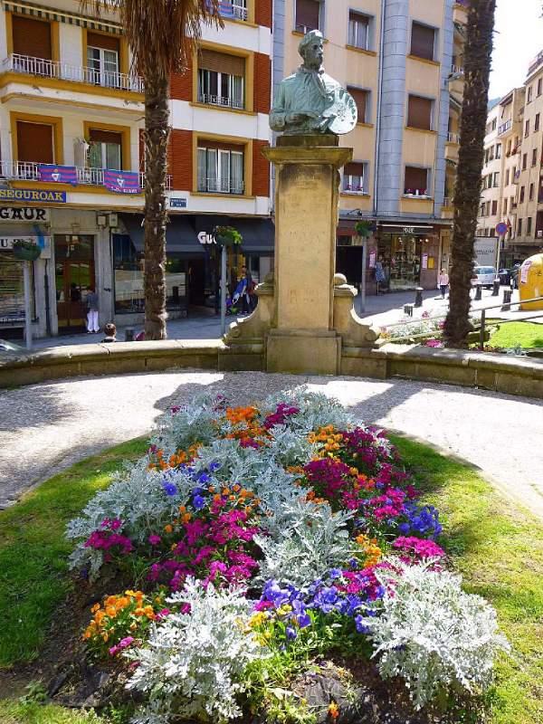 Estatua de Ignacio Zuloaga