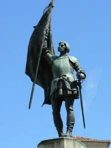 estatua juan bravo