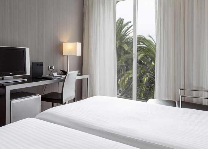 dormir vigo ac hotel palacio universal