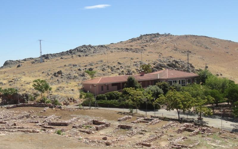 Cerro y asentamiento ibérico
