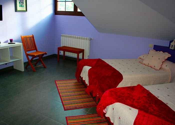 dormir mesa albergue rural camin antiguo