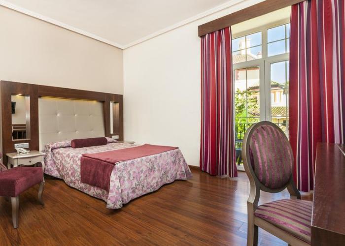 dormir algeciras hotel globales reina cristina