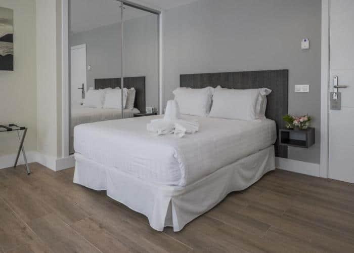 dormir almunecar hotel caleta bay
