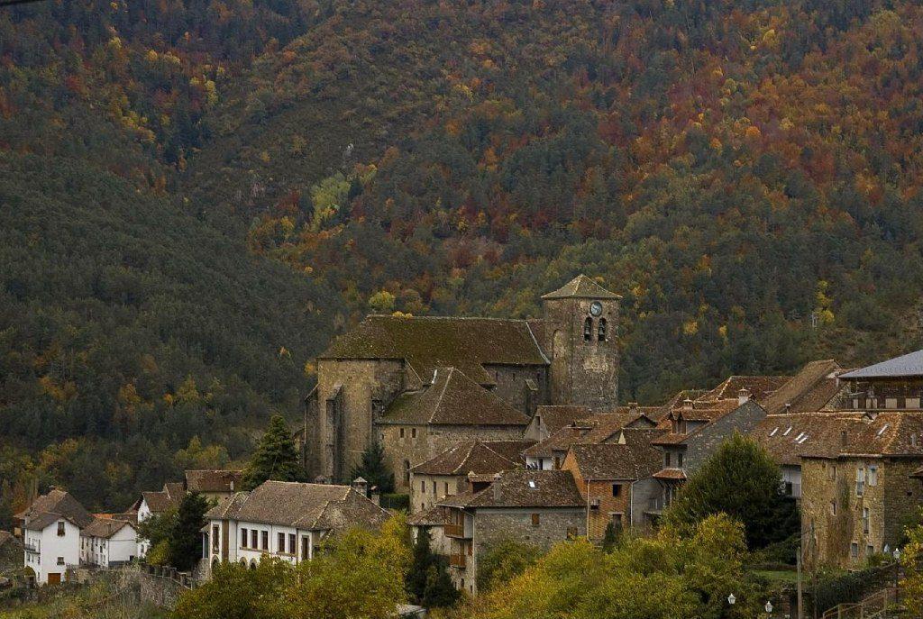 Valles de España para una escapada en otoño Ansó