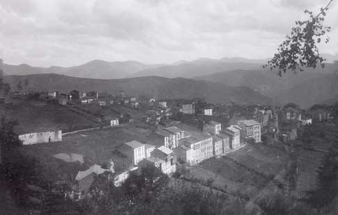 Panoramic view of Tineo in the olden days