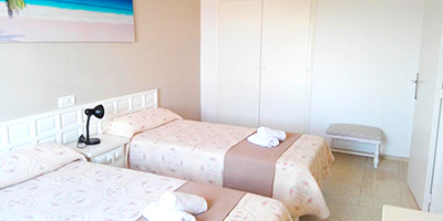 Apartamentos Alba-Dormir en Cala Bou