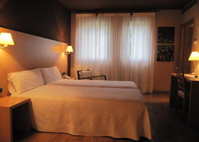 dormir arantzazu hotel santuario arantzazu