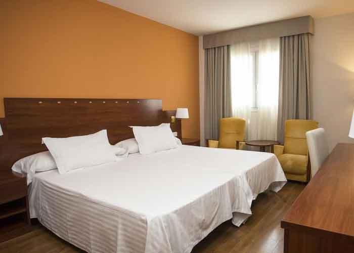 dormir almeria hotel avenida almeria