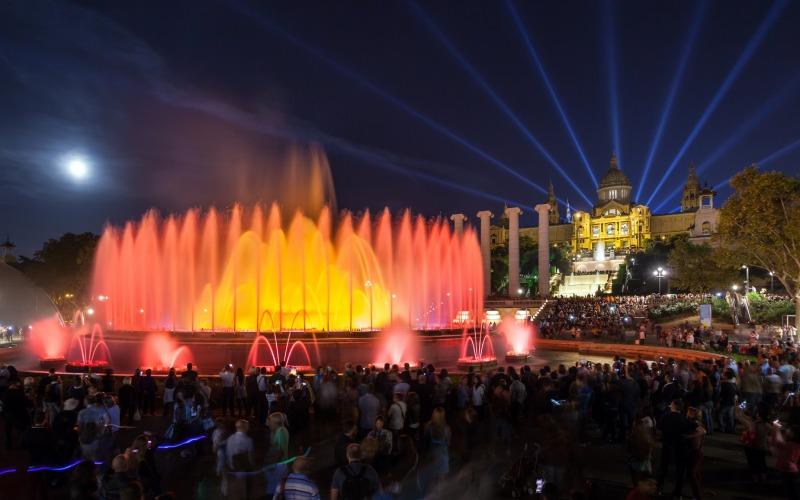 Fuente Mágica Montjuic en funcionamiento fuentes más curiosas de España