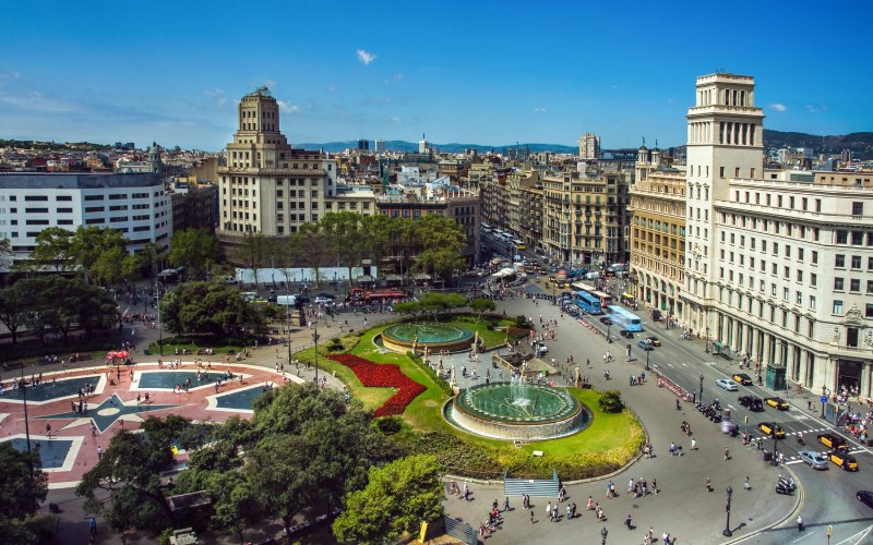 Plaza Cataluña, inicio del recorrido por lo que hacer en Barcelona