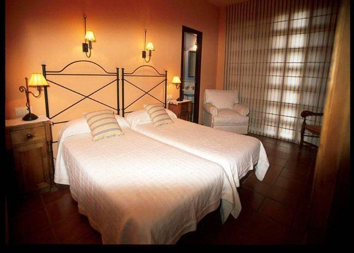 dormir calomarde hotel castellar