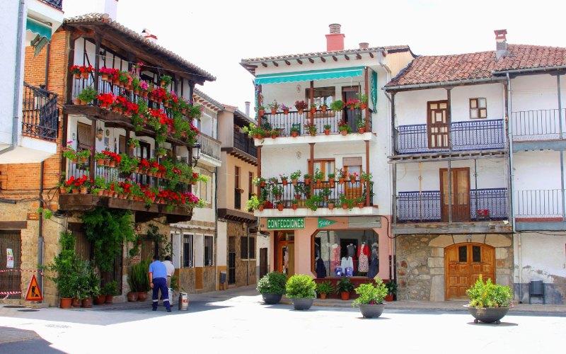 La colorida Candeleda en Ávila