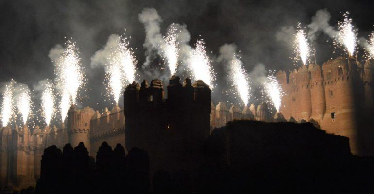 Los fuegos artificiales del castillo de Coca que aúnan pasado y presente