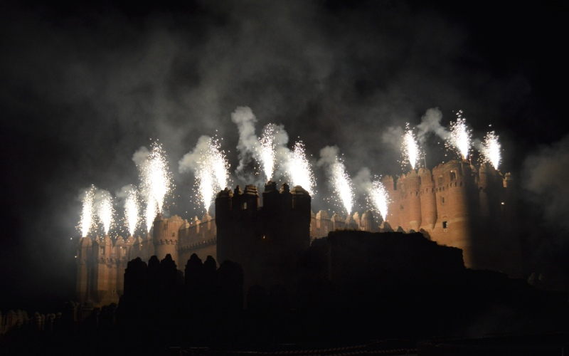 Fuegos artificiales en el castillo de Coca
