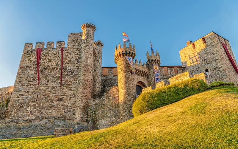 Uno de los grandes castillos de la A-6 el de Ponferrada