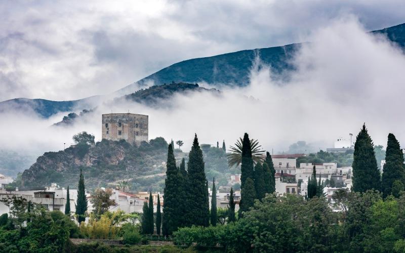 Vista del castillo de los Ulloa