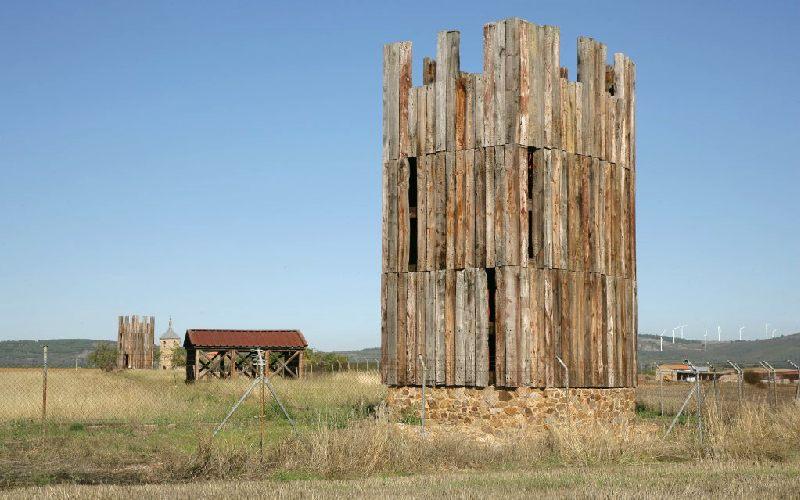 Reconstrucción de una torre en Petavonium