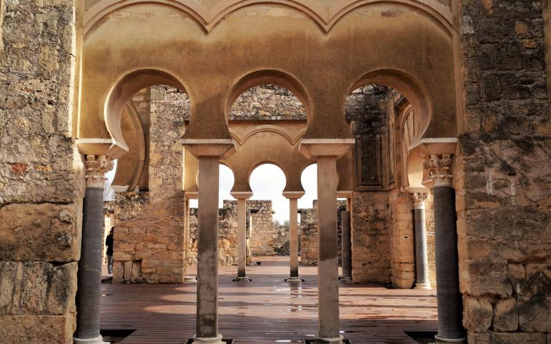 Arcos de la ciudad palatina Medina Azahara