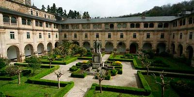 claustro monasterio samos