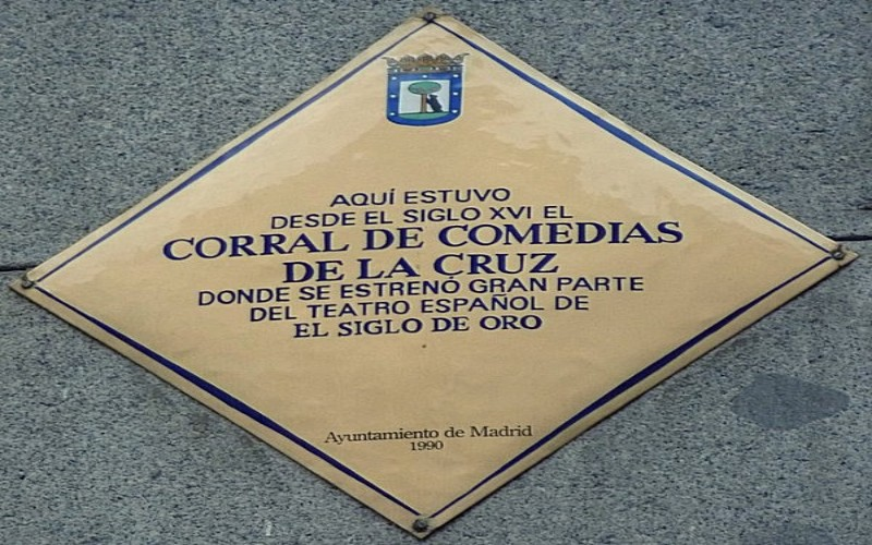 Placa conmemorativa en honor al Corral de la Cruz, en Madrid
