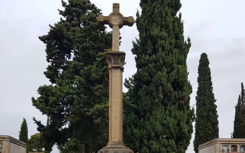 Cruz en honor a Josep Sardà