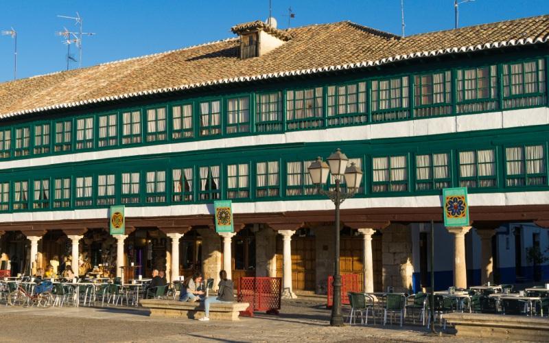 Detalle de las galerías acristaladas de la plaza de Almagro