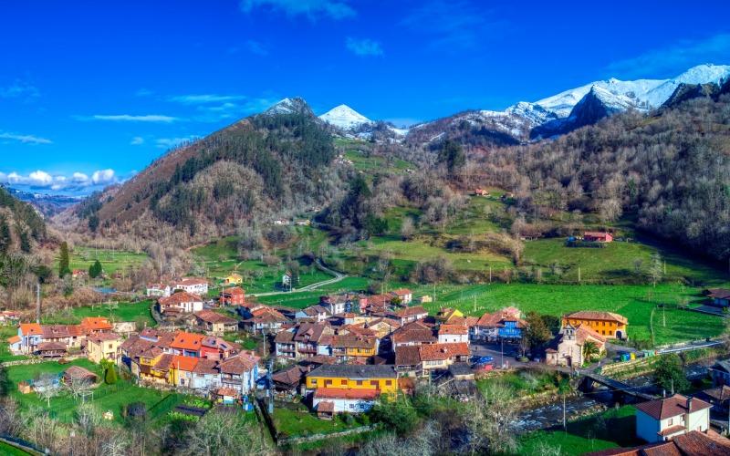 Las aldeas que conforman la parroquia de Espinaréu son ideales para pasar unos meses de verano