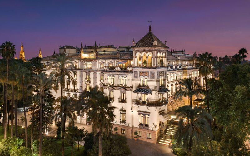 Exterior del hotel Alfonso XIII en Sevilla