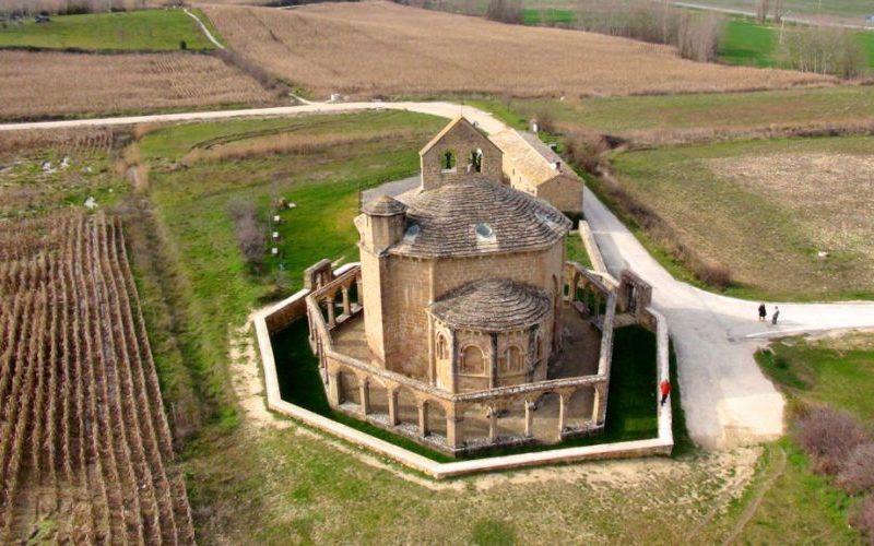 Vista aérea de Santa María de Eunate