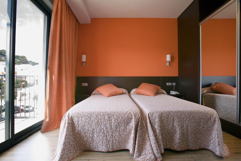 dormir ferreries hotel loar
