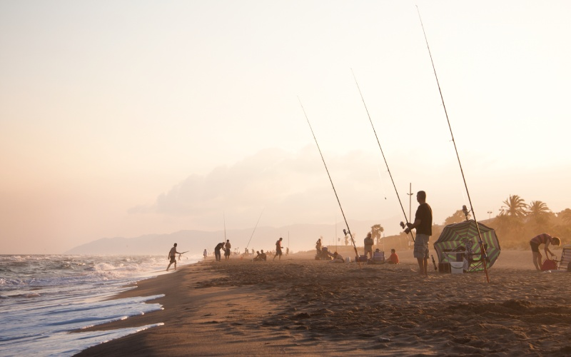 Pescadores en la playa de Gavà, Barcelona