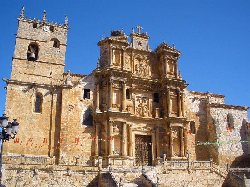 Iglesia de Santa María en Gumiel de Izán