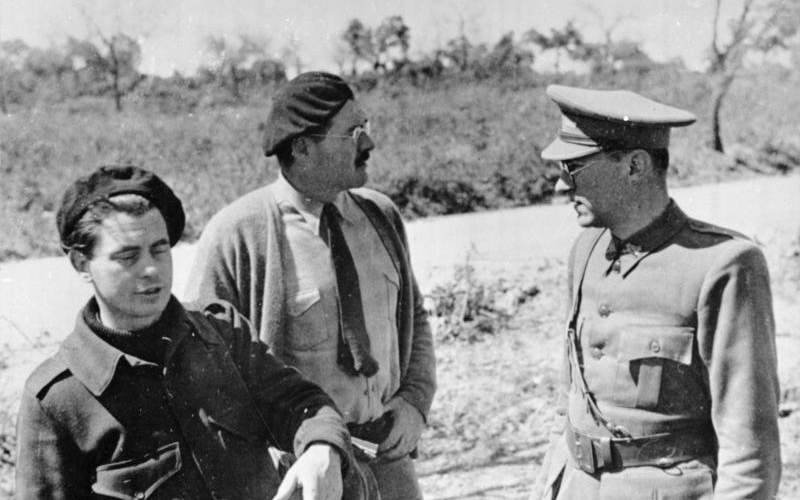 Ernest Hemingway durante la Guerra Civil Española