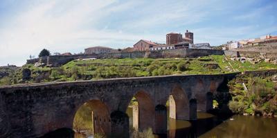 Puente viejo de Ledesma