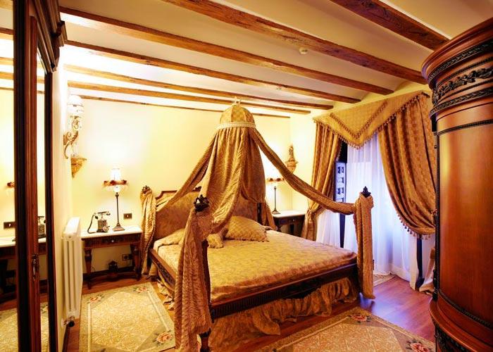 Hotel-Boutique-Real-Casona-De-Las-Amas_700x500
