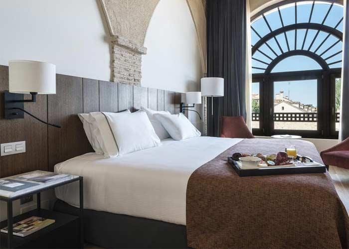 dormir segovia hotel eurostars convento capuchinos
