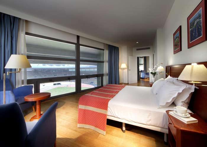 dormir santiponce hotel exe isla cartuja