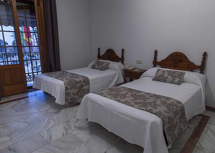 dormir palos frontera hotel pinta