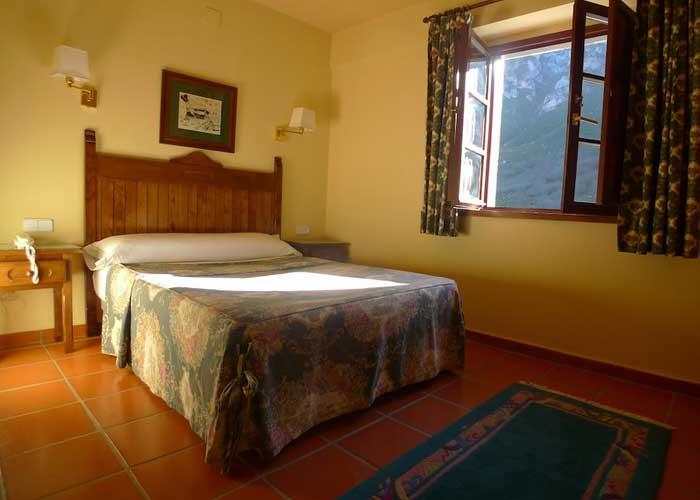 dormir fuente de hotel rebeco