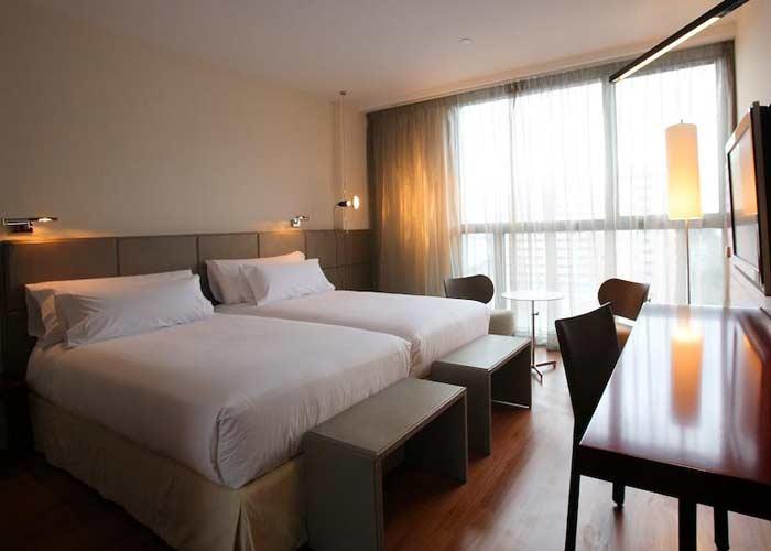 dormir zaragoza hotel reina petronila