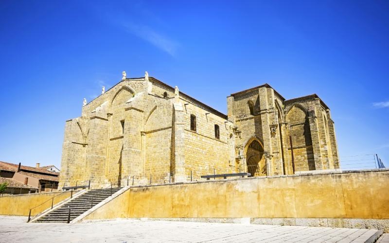 Iglesia de Santa María la Blanca en Villalcázar de Sirga