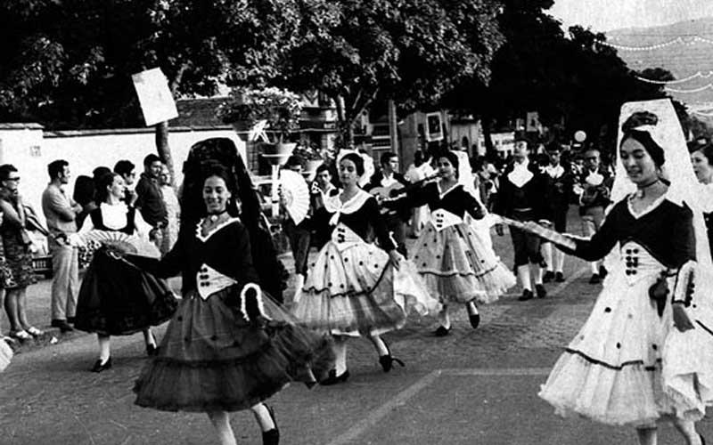 ImagenBN_fiestas_aragon_huesca_festival_folclorico_jaca_1969