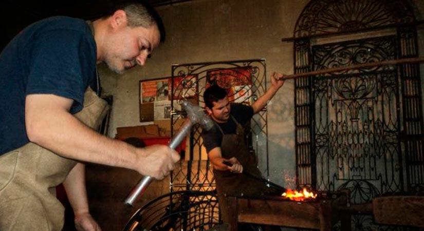 Juan Jose Gomez Delgado artesano forja