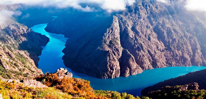 Imagen_blog_viajes_10-lugares-fascinantes-que-deberían-ser-Patrimonio-de-la-Humanidad_cañones-del-rio-sil