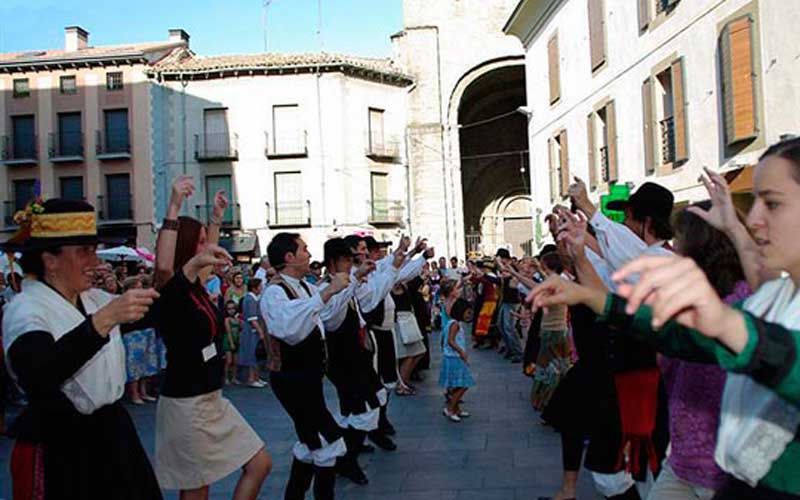 Imagen_fiestas_aragon_huesca_festival_folclorico_jaca