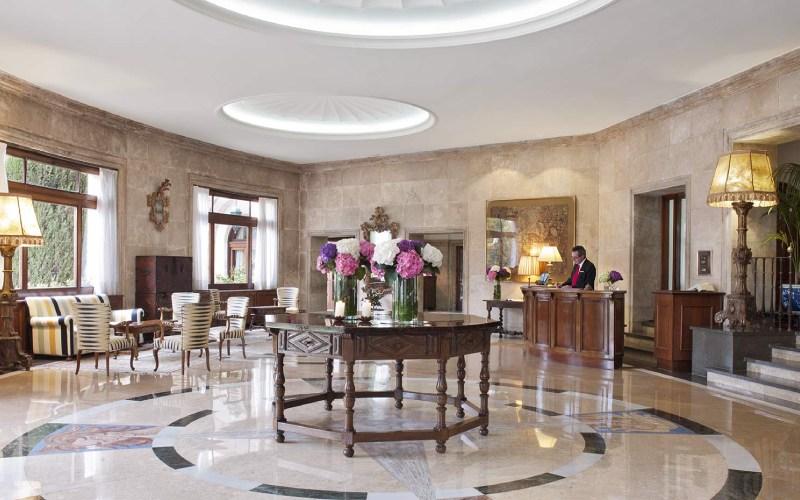 Hall del hostal La Gavina