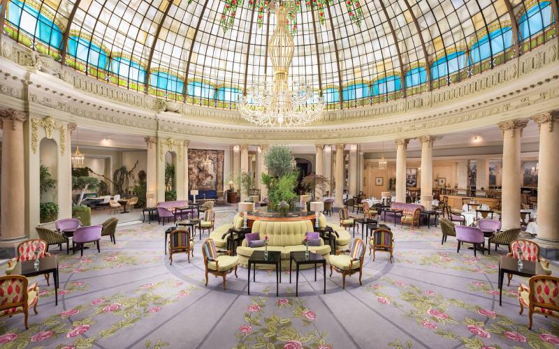 Restaurante la Rotonda del Palace de Madrid, uno de los hoteles más emblemáticos de España