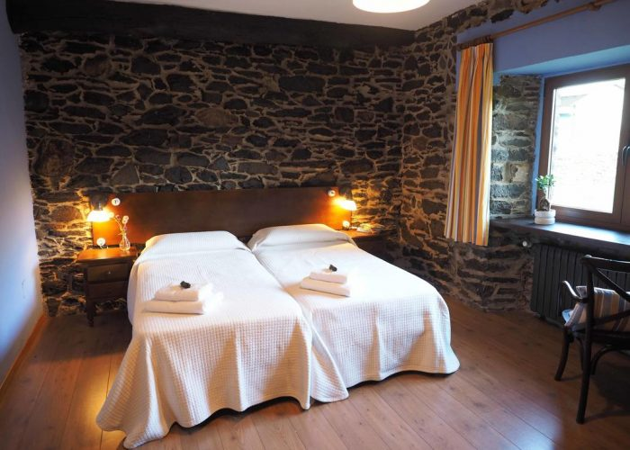 dormir Leitariegos hotel rural mirador orallo