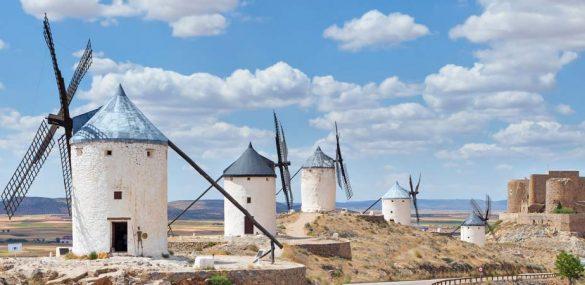 """Descubrimos los molinos de viento: """"¡Que no son gigantes, mi señor!"""""""