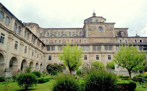 Que ver en Monasterio de Samos